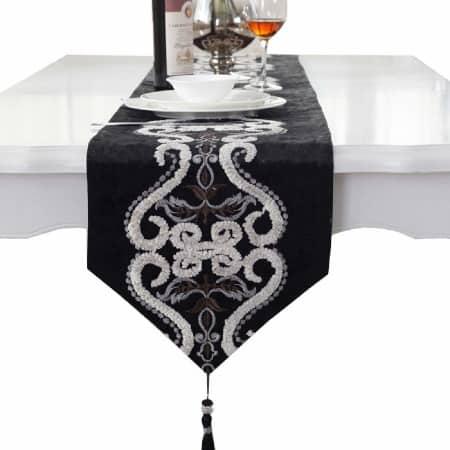 oferta en caminos de mesa negros bordados