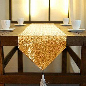 Haz tu mesa más decorativa con el camino de lentejuelas