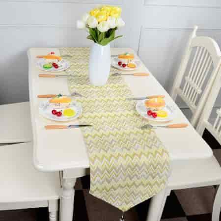 imágenes de caminos de mesa bordados