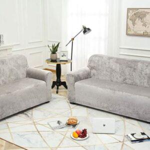 Fundas cubre sofá de terciopelo.